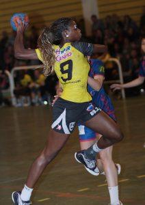 Simone Thiero handballeuse