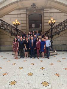 La nouvelle équipe élue du 18e arrondissement réuni à la Mairie lors du 1er conseil municipal Samedi 11 juillet 2020