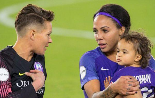 Sydney Leroux joueuses américaine et son fils Cassius Cruz Dwyer