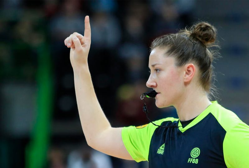 Laure Coanus devient arbitre internationale de basket