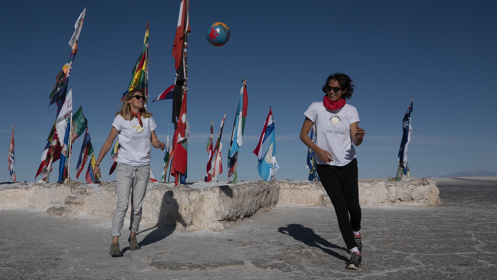 little miss soccer Rencontre en terre inconnue avec Melina Boetie et Candice Prevost