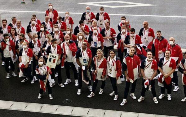 La France achève ces Jeux olympiques avec 33 médailles, dont 18 remportées par des femmes.