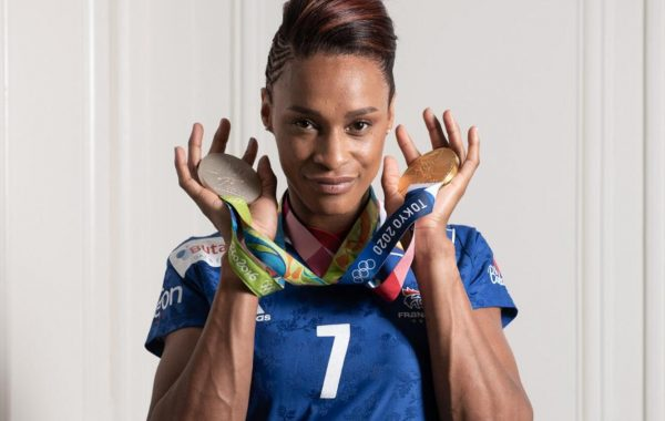 Allison Pineau a décroché sa première médaille en or aux Jeux Olympiques de Tokyo