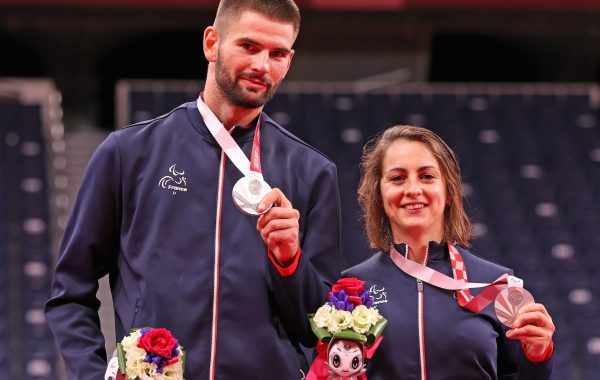 Faustine Noel et Lucas Mazur en argent sur l'épreuve de para badminton des Jeux paralympiques de Tokyo